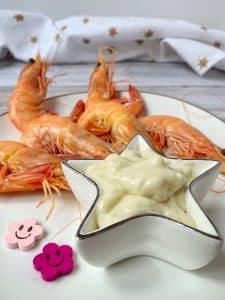 Vous aimeriez bien une petite mayonnaise pour accompagner vos fruits de mer, mais vous êtes intolérant aux oeufs et à la moutarde ? Pas de soucis, venez vite tester cette recette ! Son secret ? L'aquafaba #vegan #sansmoutarde